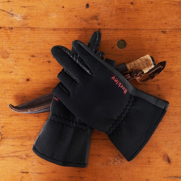Berkley Other - Berkley Neoprene Fishing / Shooting Gloves